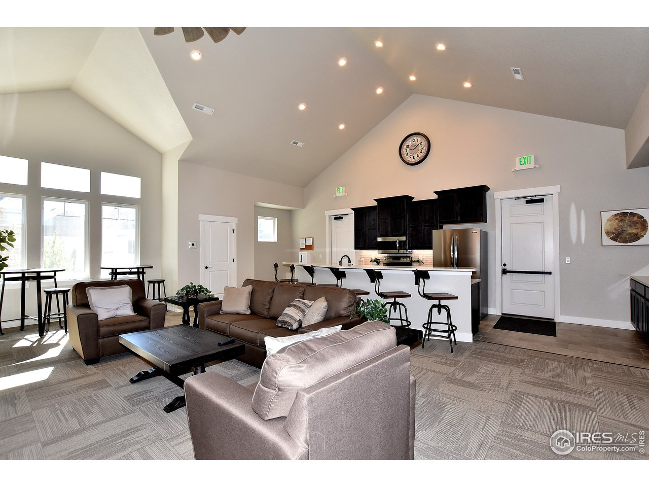 Host your large gatherings in the clubhouse
