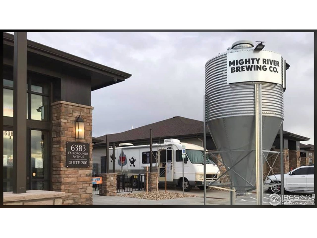 Enjoy fine dining and breweries all within walking distance!