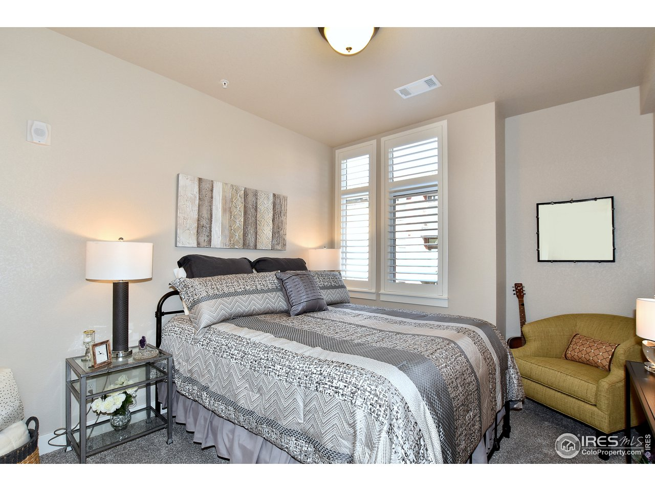 2nd large bedroom on main level