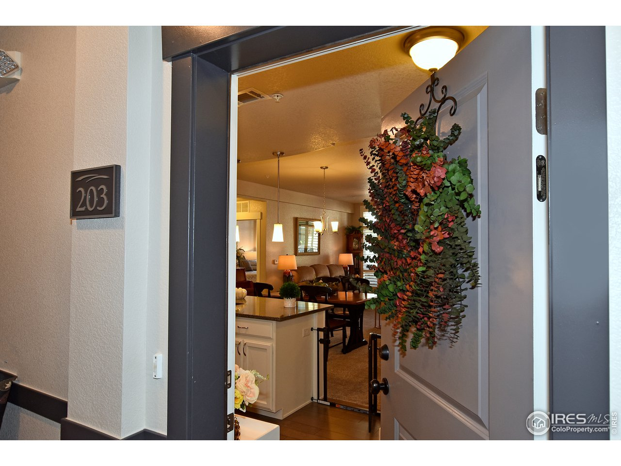 Main level living, prime location and in impeccable condition!