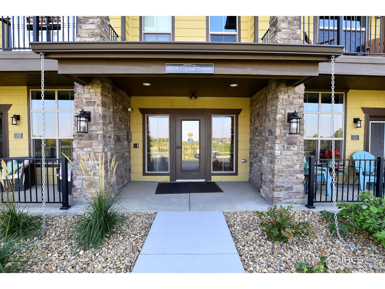 Secure main level living in an upscale condo complex with tons of amenities all within walking distance !