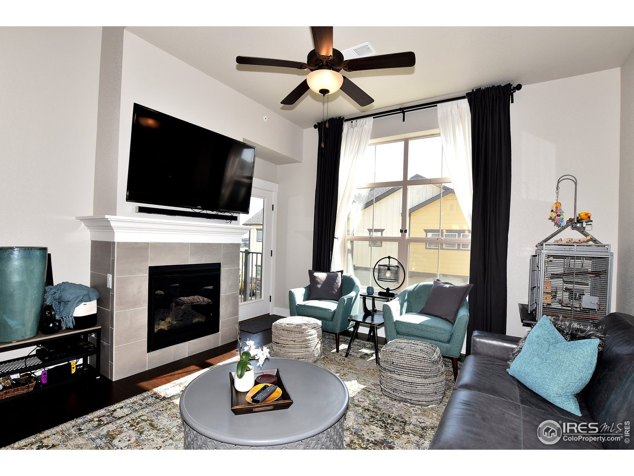 Enjoy cozy nights by the fire or step just outside to the balcony to enjoy golf course and foothill views!