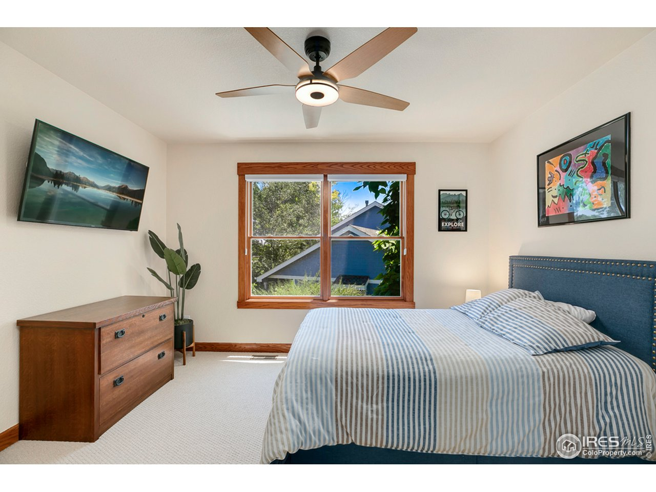 3rd bedroom upstairs is great size and has a walk in closet