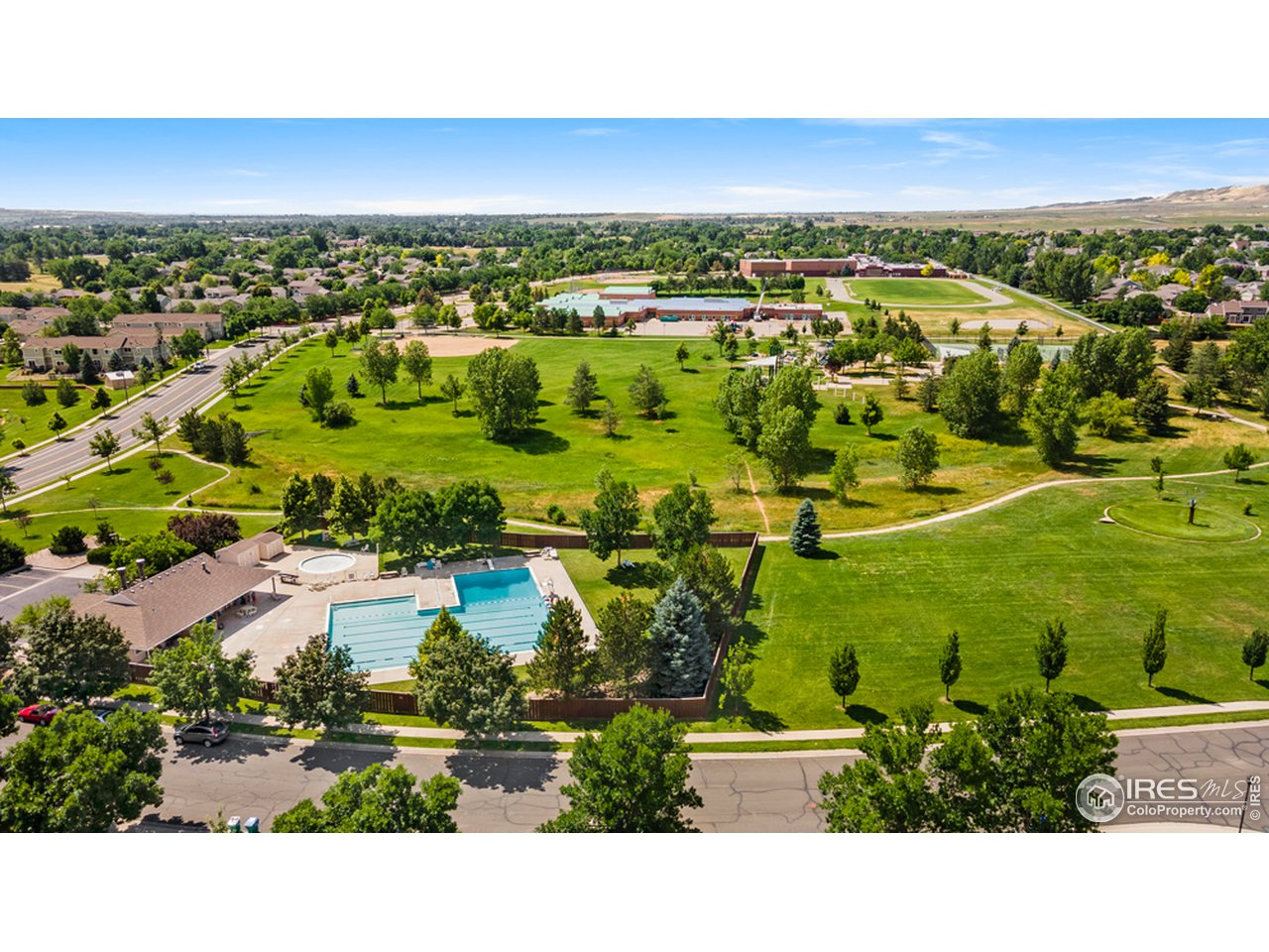 Enjoy all the great amenities this sought after neighborhood has to offer!