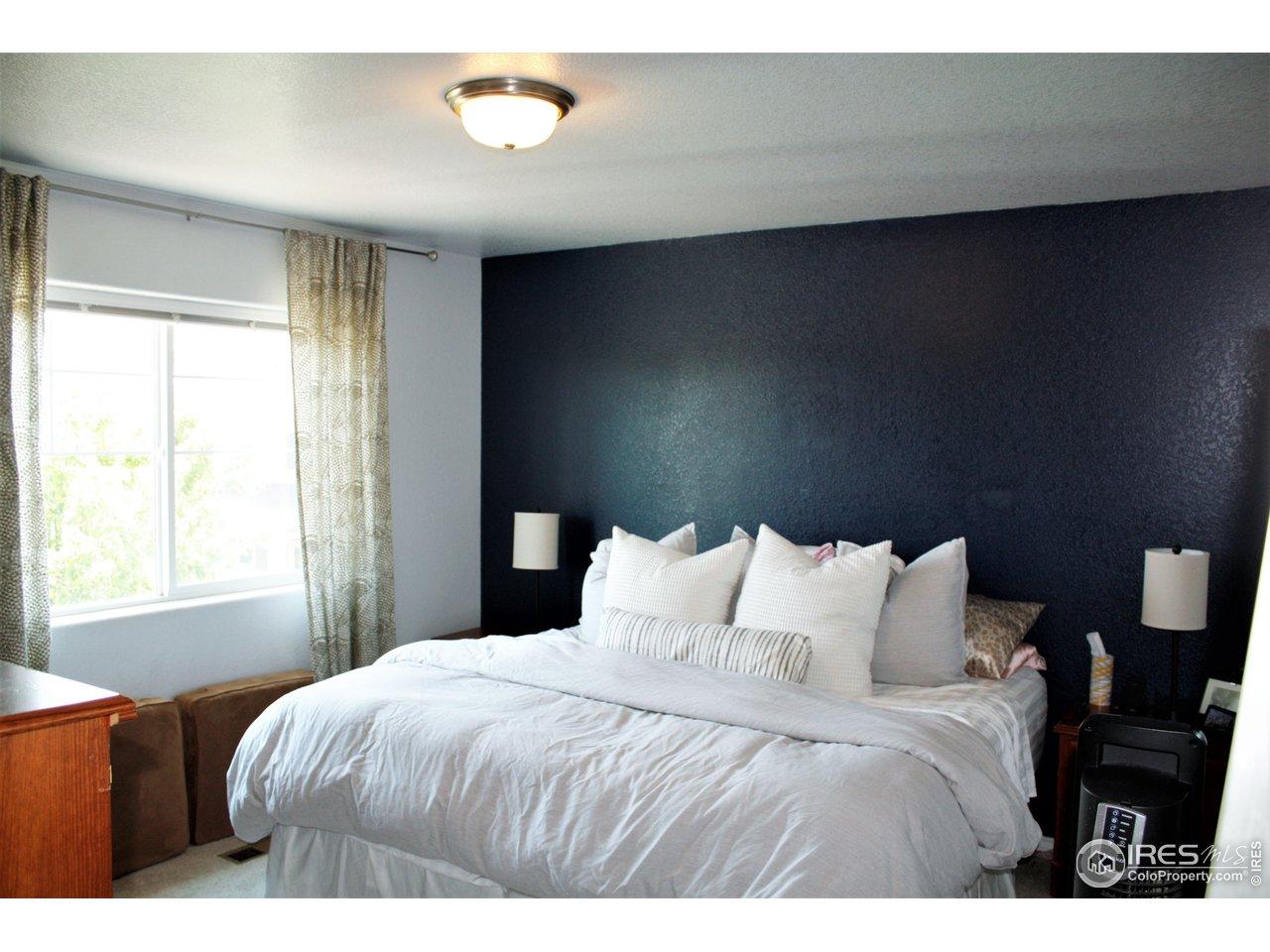 Main Bedroom suite with Bathroom and walk-in closet