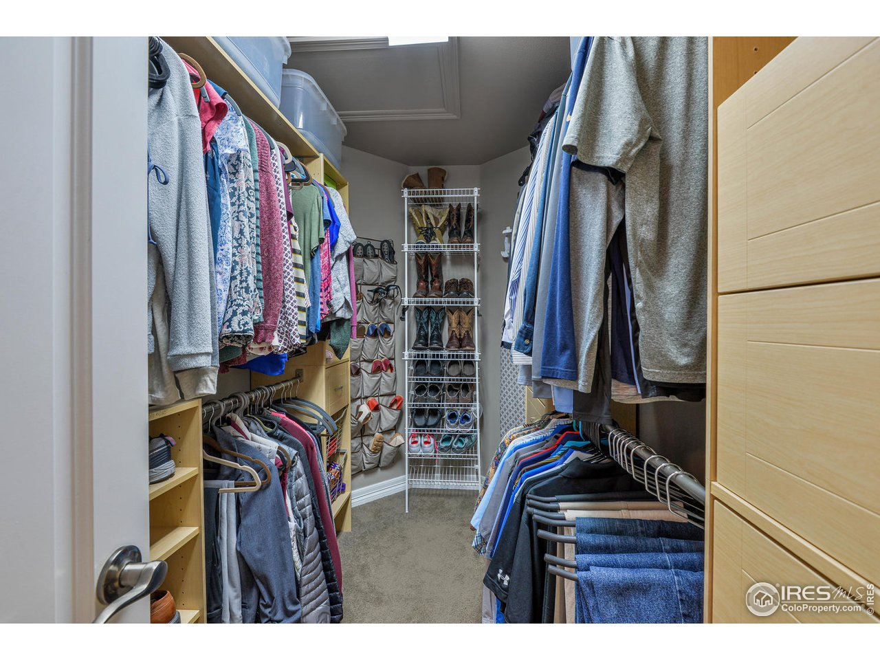 All closets offer custom shelving