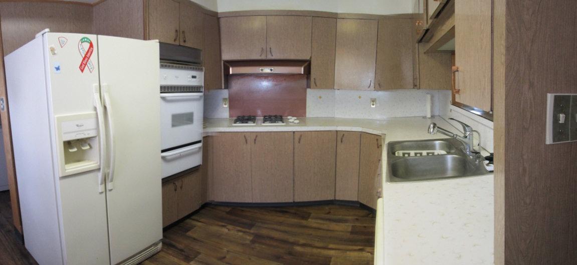 Kitchen w/Appliances