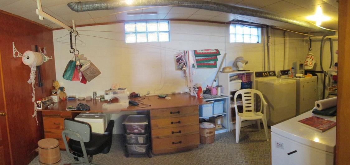 Craft Room/Laundry