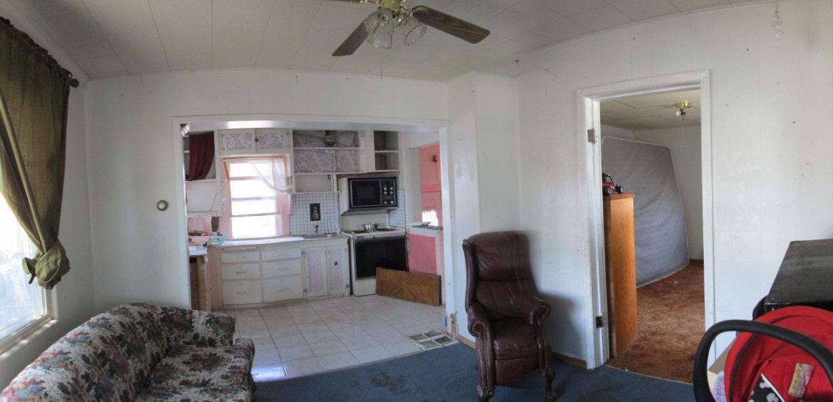 Livingroom and kitchen