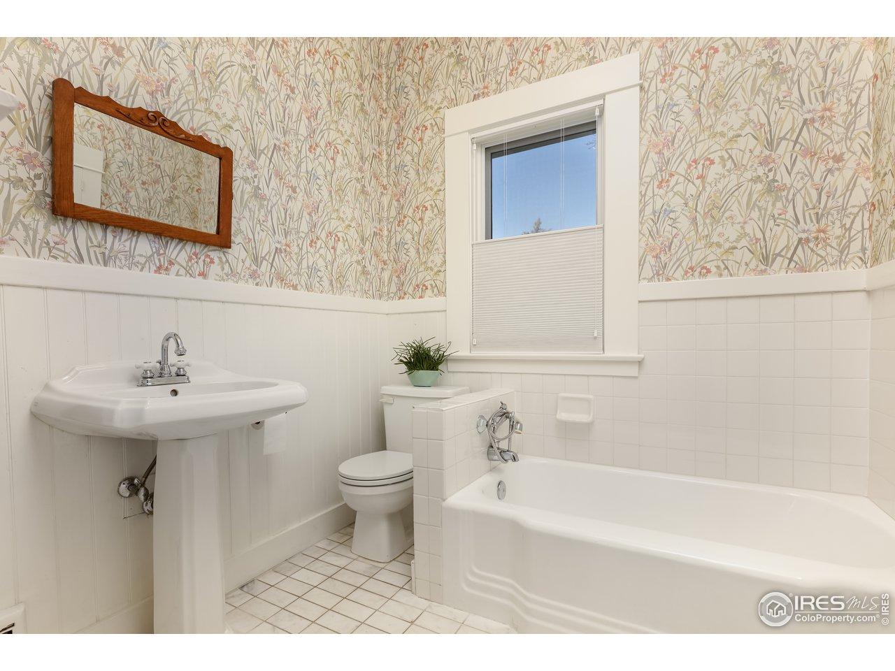 hall bath, main level