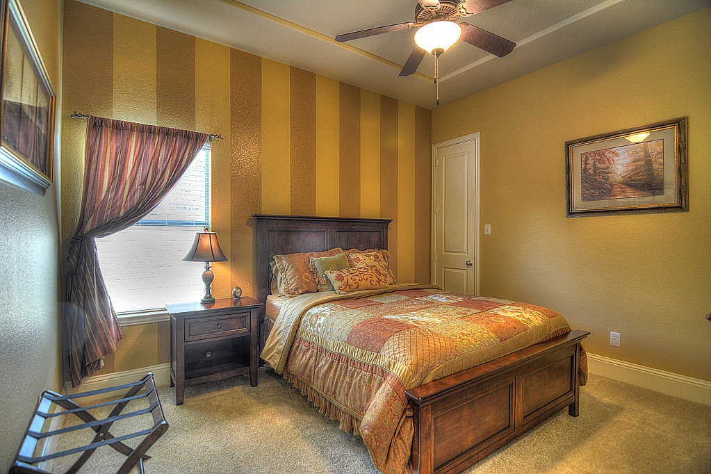 Guest Room Down