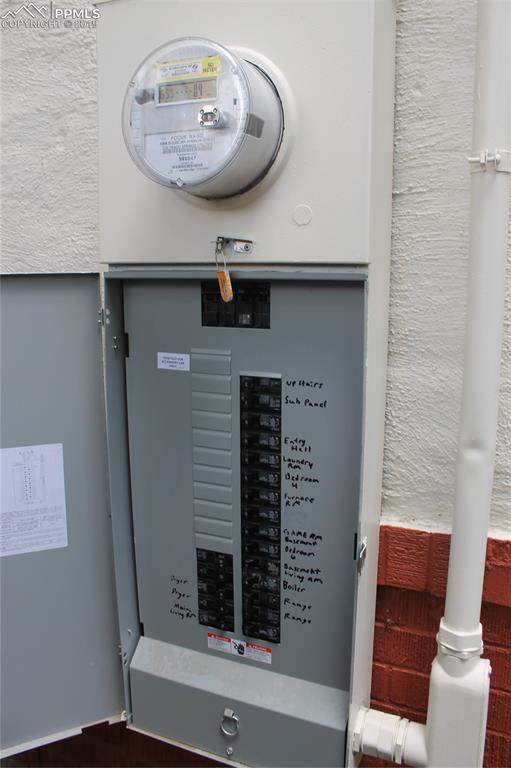 Upgraded electrical with 250 up and down.
