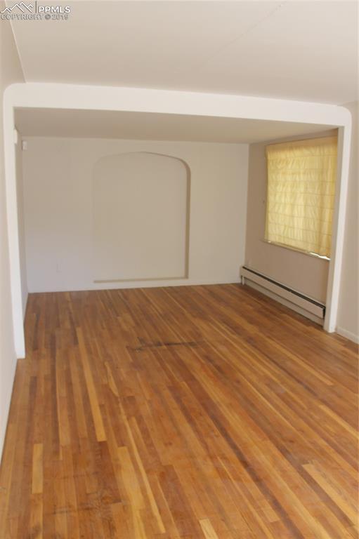 Upstairs bedroom.