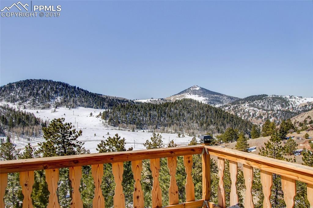 Master Bedroom Deck View!