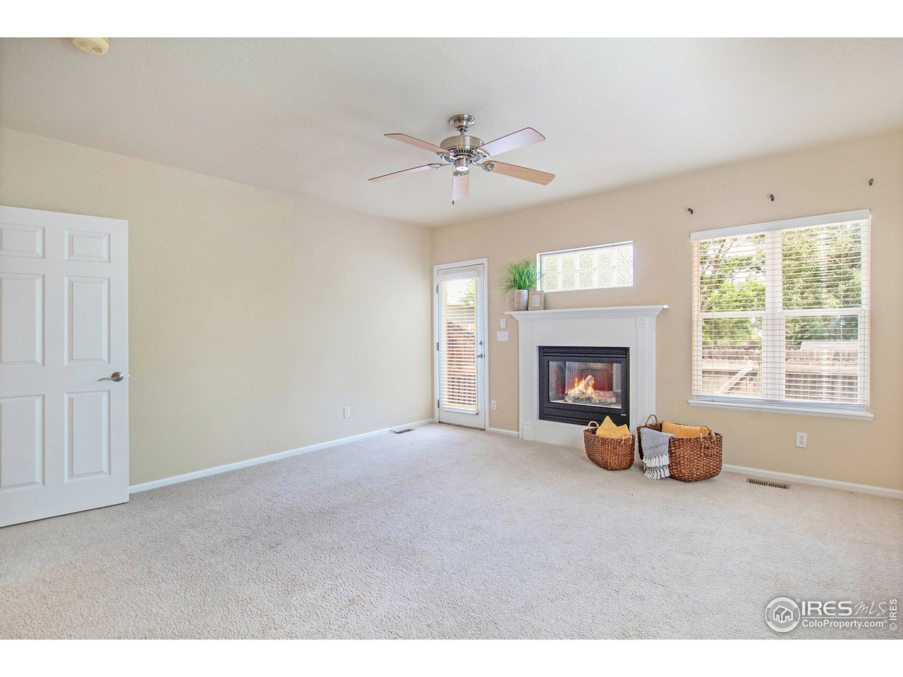 Spacious living room with fireplace