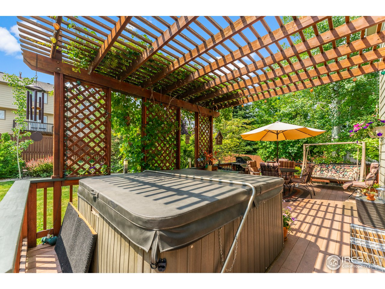 Newer hot tub included