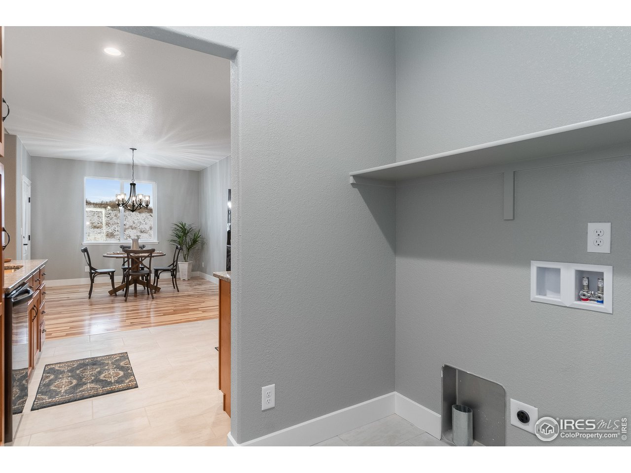 Over-sized Laundry Room