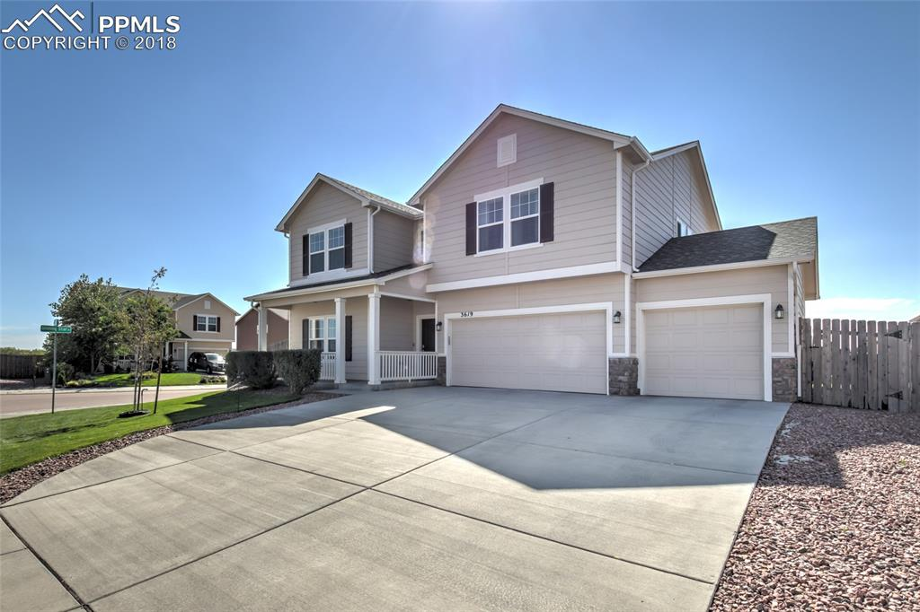 Easy access to Peterson AFB or Ft. Carson -- Welcome home!!