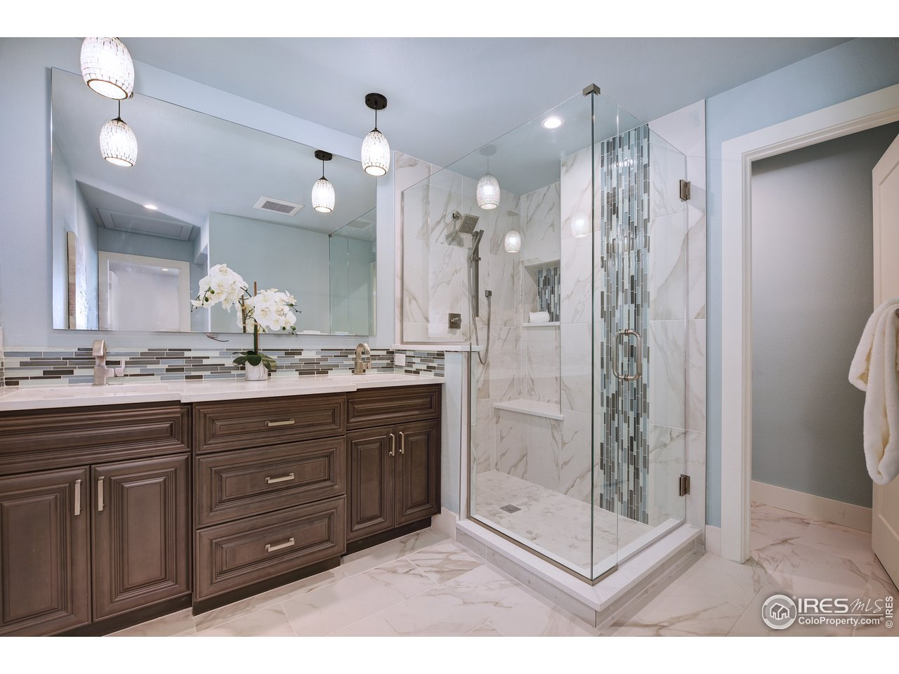 Luxe master bath with heated floor