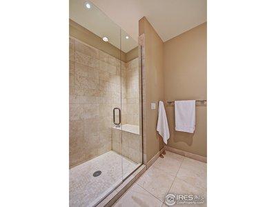 Guest bath/2nd bathroom