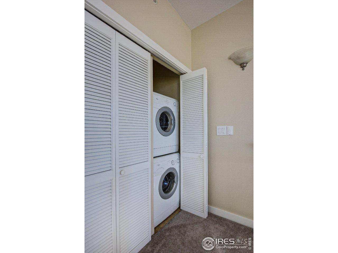 Laundry closet. Washing/dryer stay