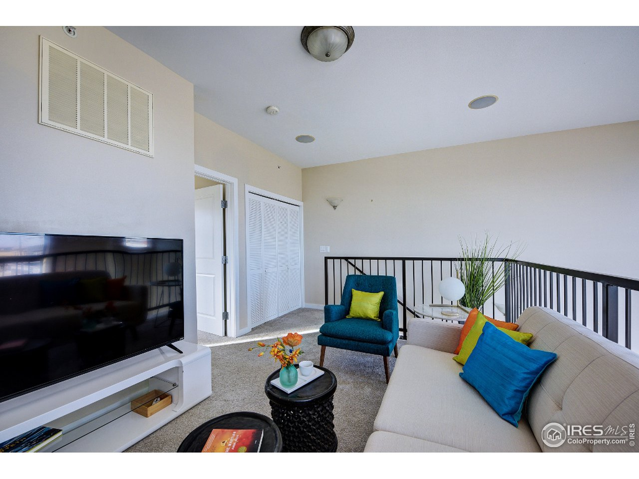 Living room on add'l upper with city views!
