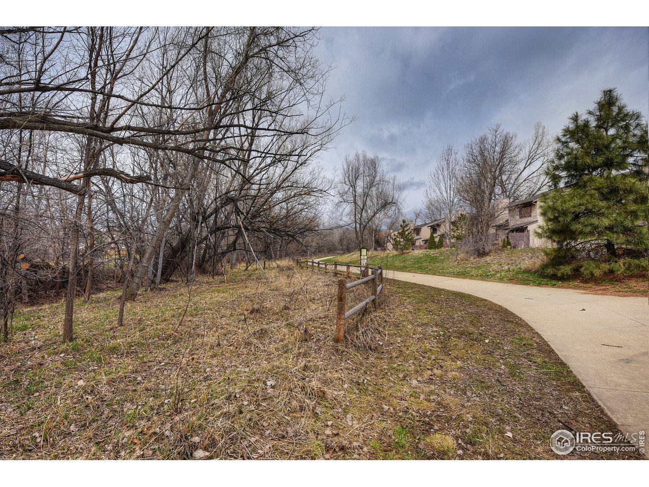 4-Mile Creek Path just steps from unit!