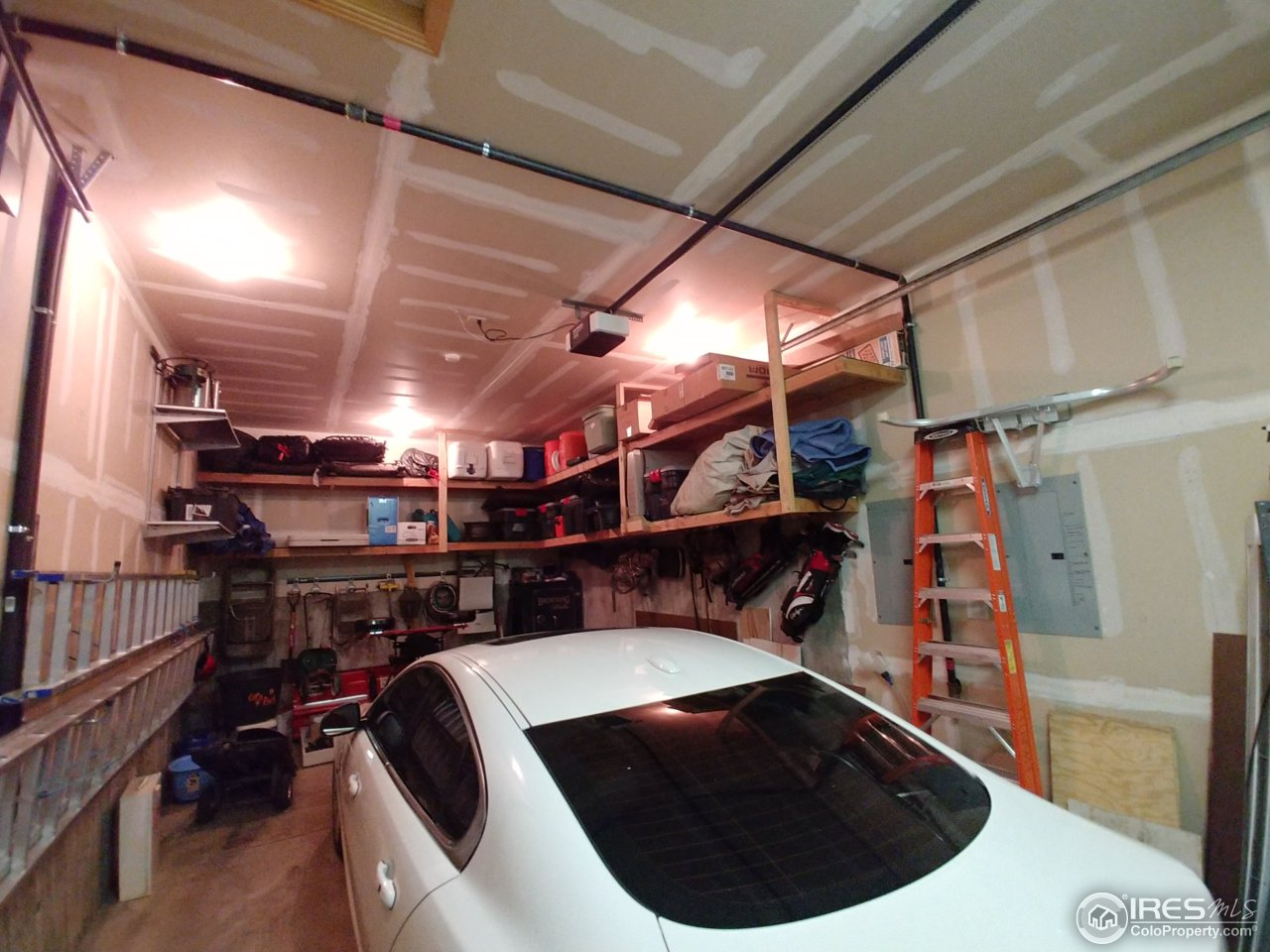 5th garage space--perfect for RV