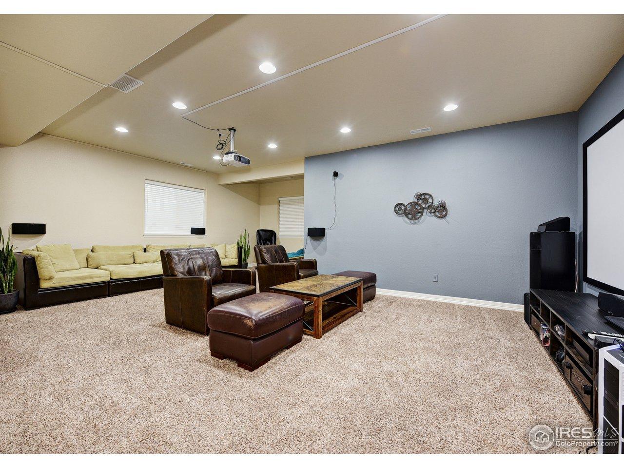 Theatre area/recreation room