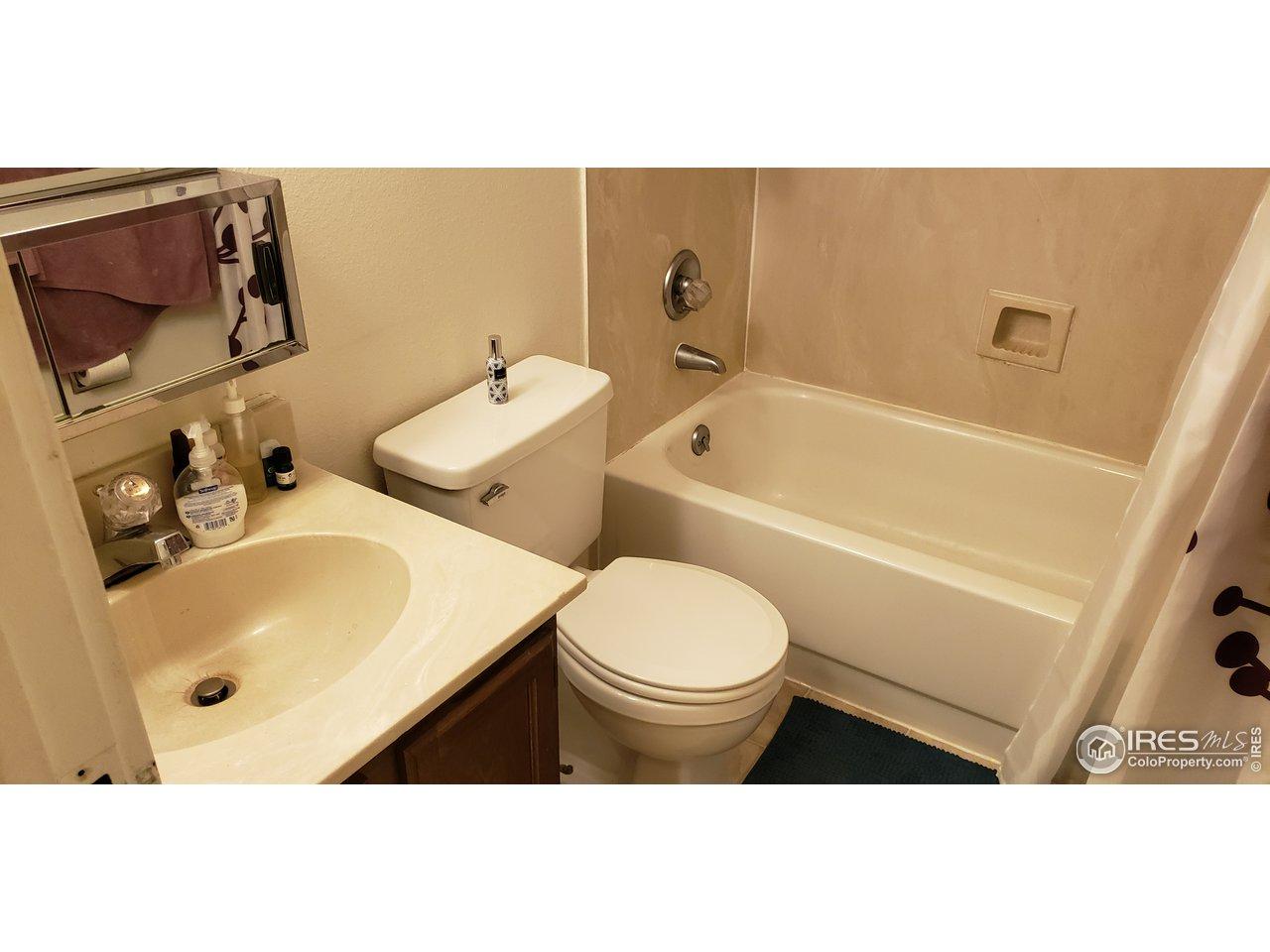 2nd/Guest Bath