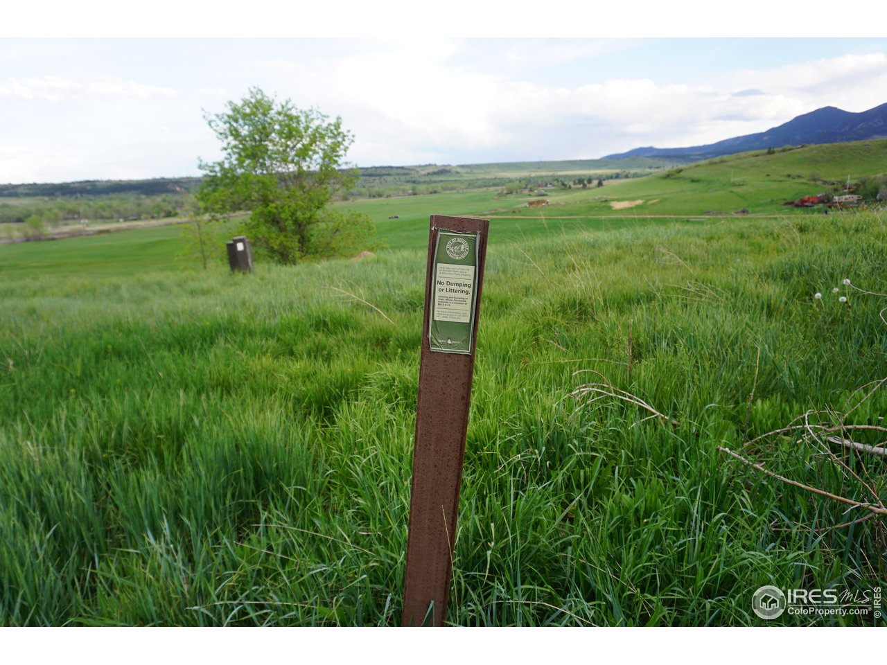 Proximity to Boulder Open Space Trails