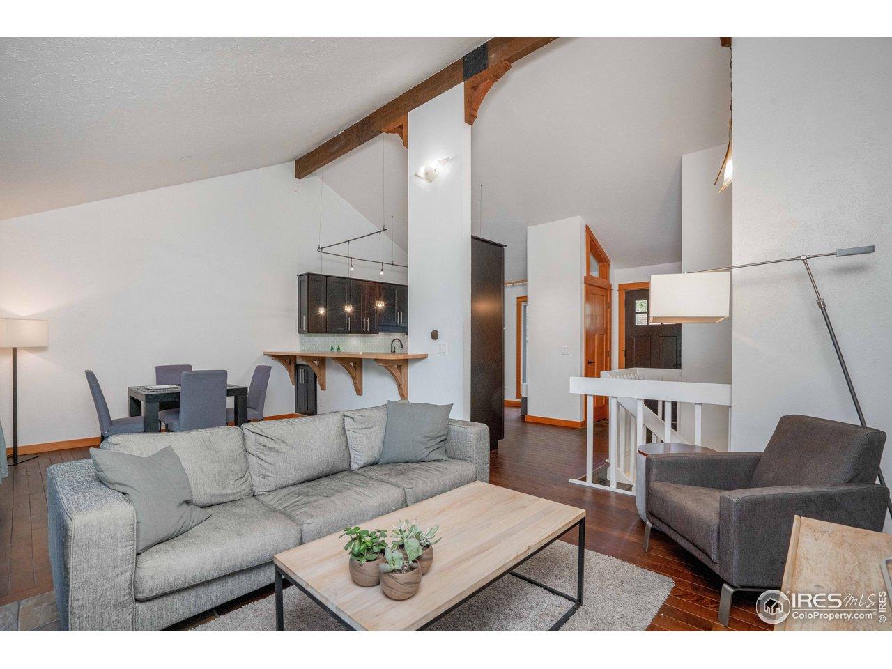 Open Floor Plan with Vaulted Ceilings!