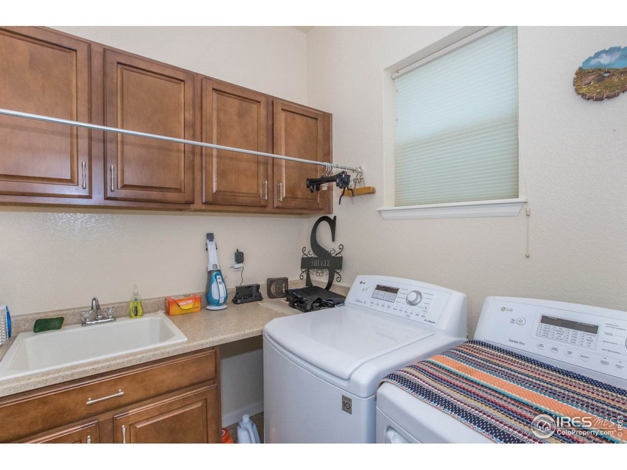 Sink, folding space & extra storage