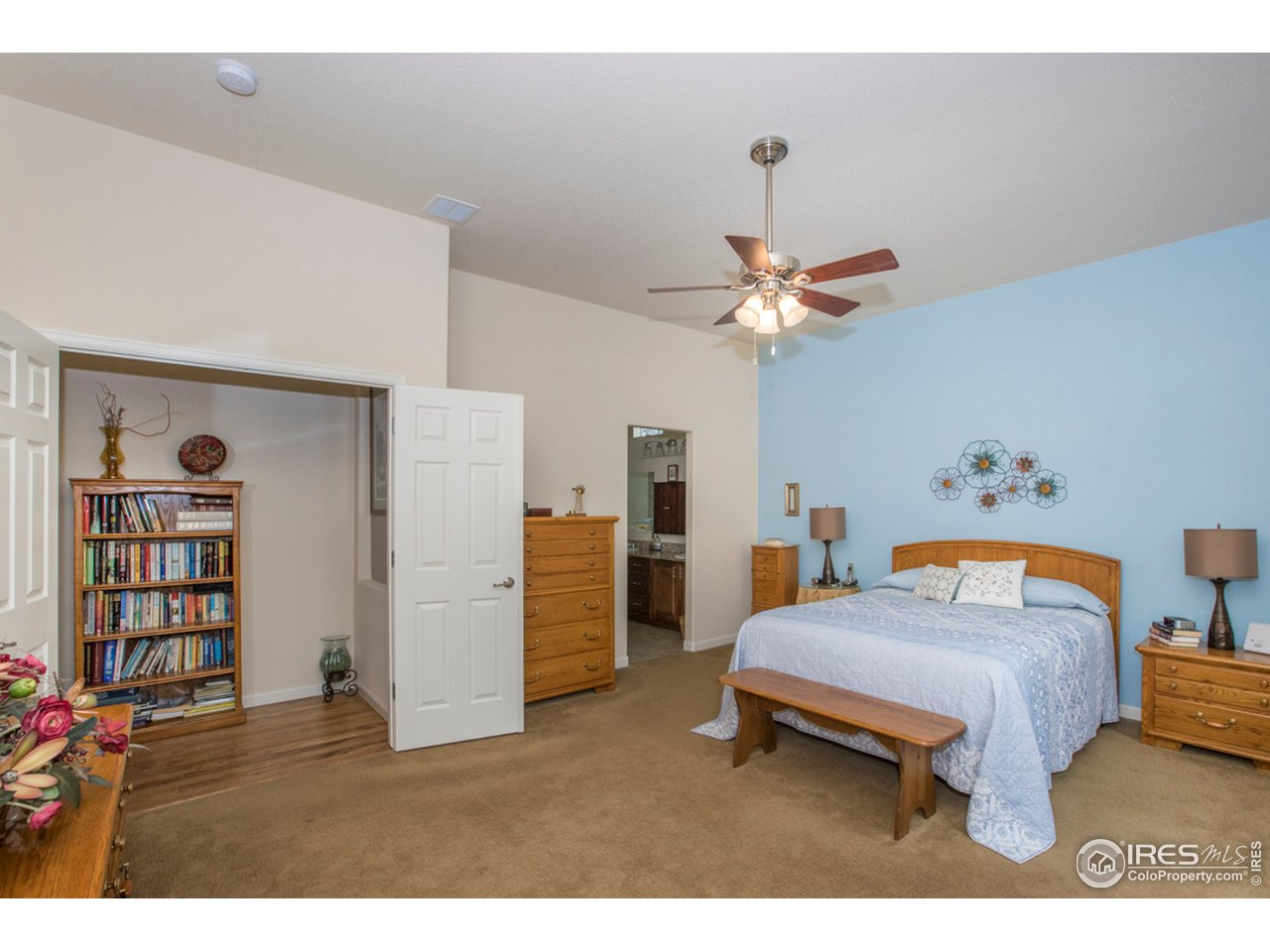 This suite has a perfect arrangement