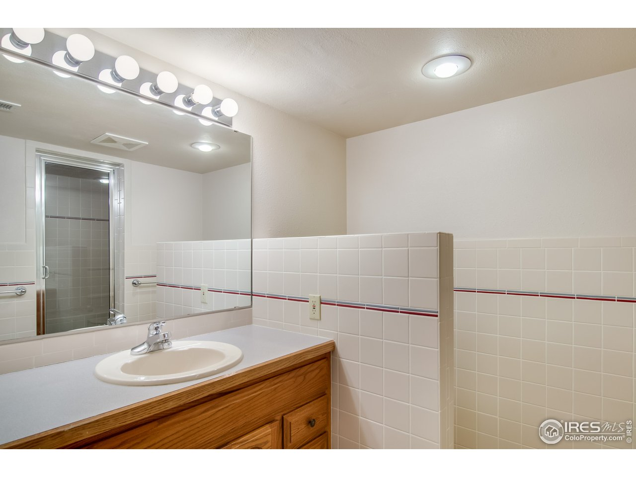 3/4 Basement Bathroom w/ Steam
