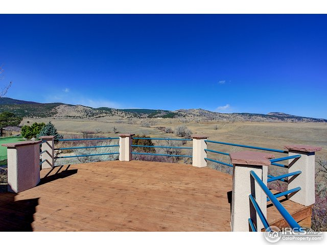 Deck overlooking the draw & wide ranging views