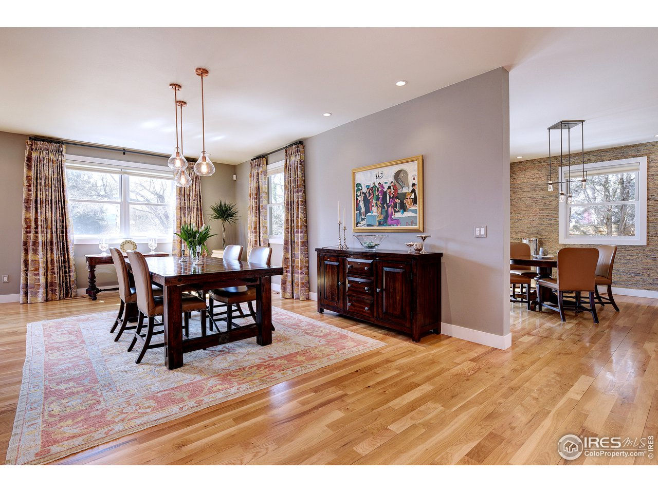 Hardwood oak flooring throughout main level