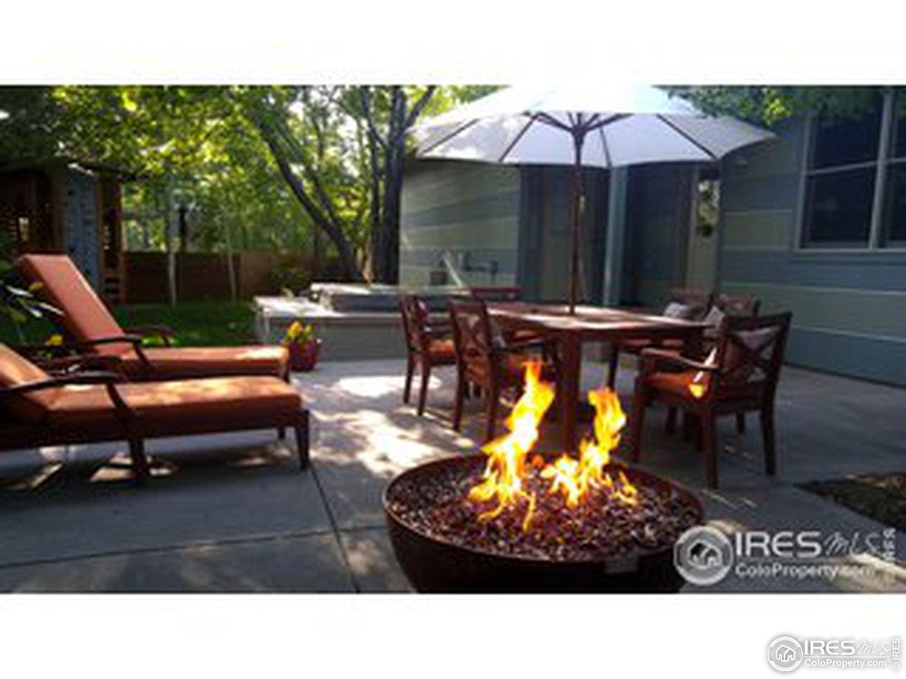 Elegant outdoor entertaining space