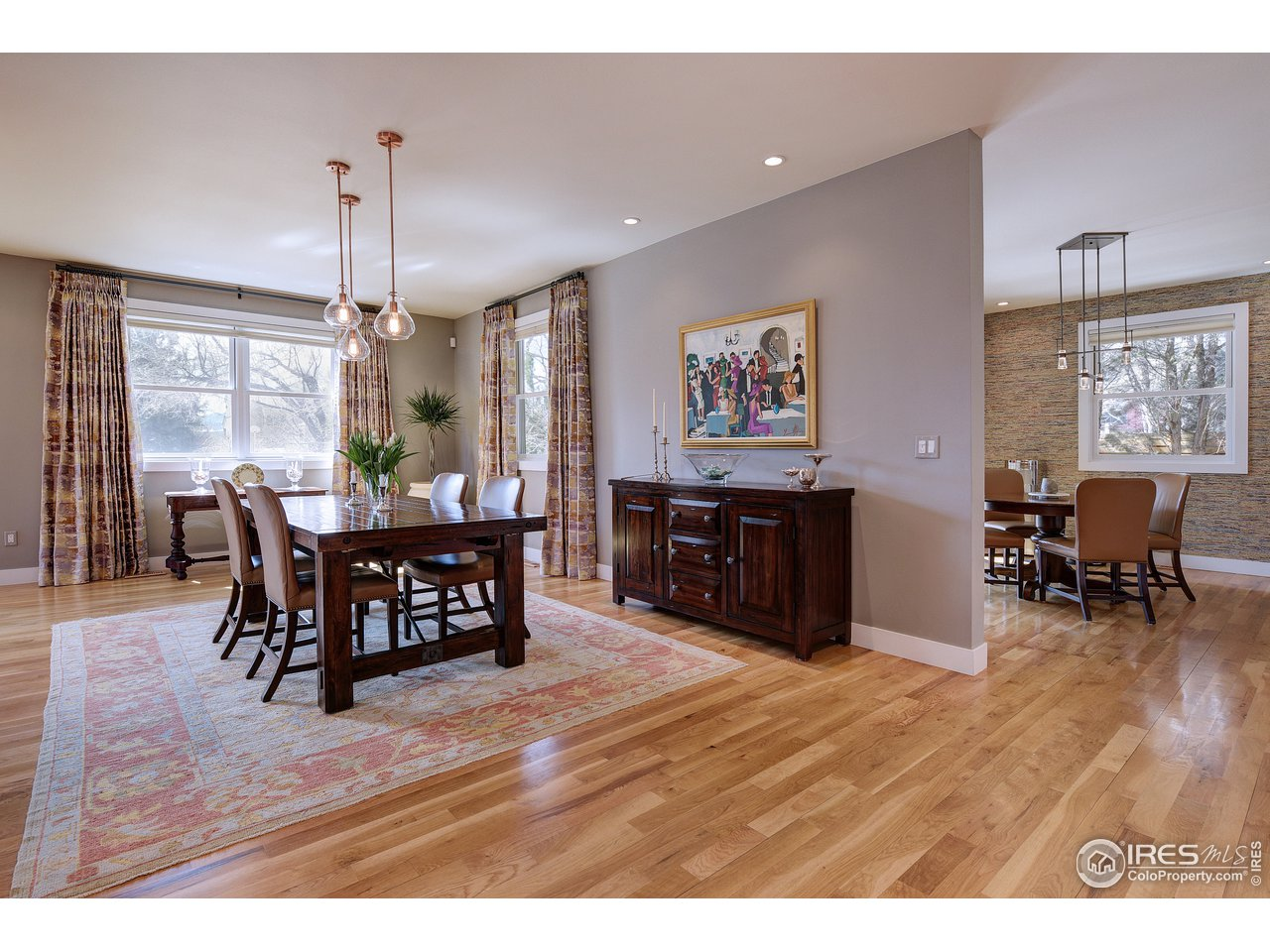 Hardwood oak flooring throughout main level