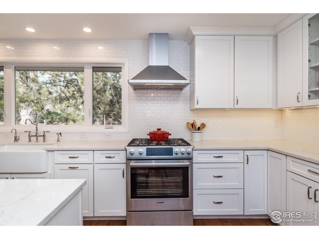 Freshly Remodeled & Updated New Kitchen