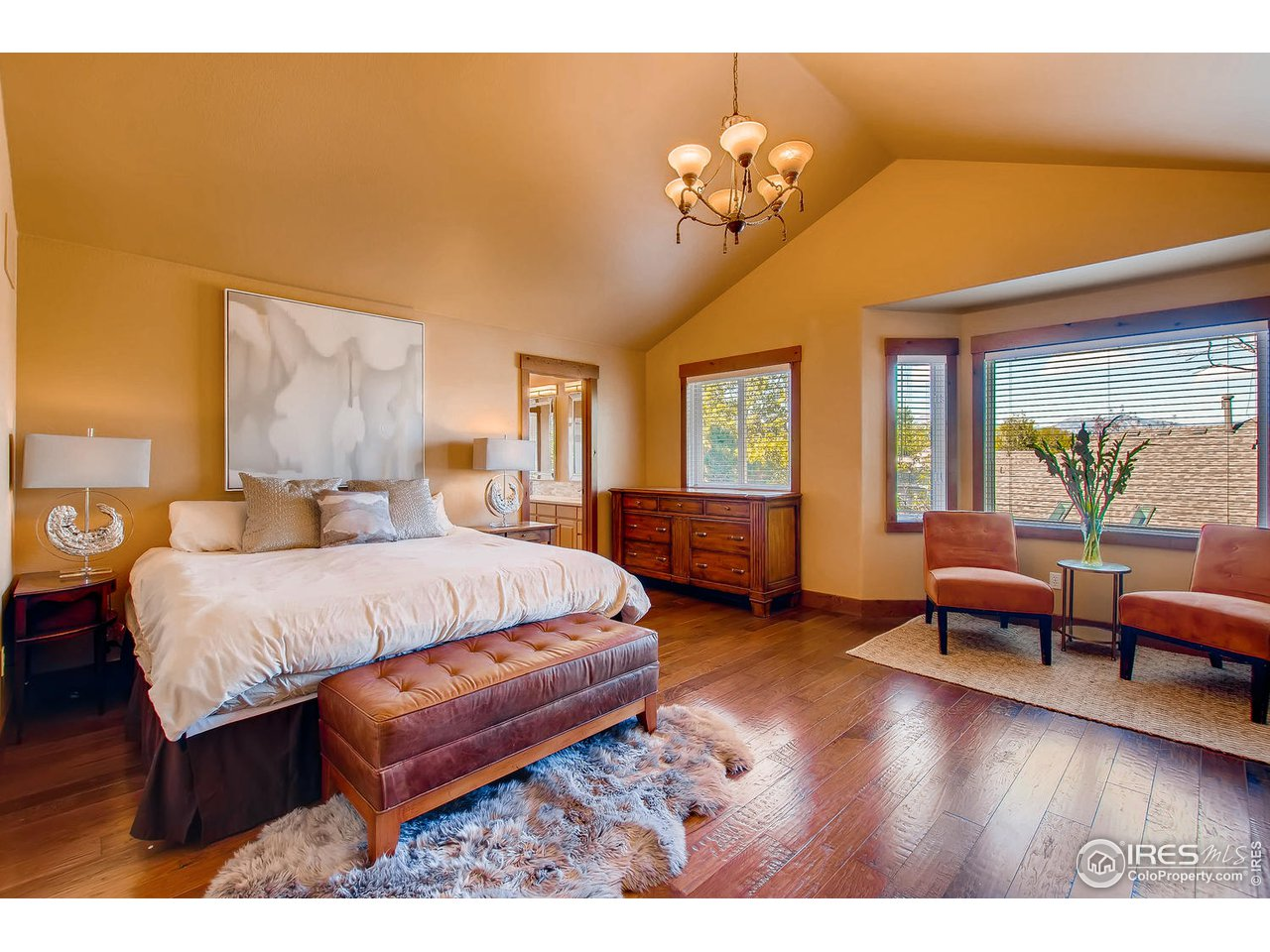 upper level master bedroom with mountain view