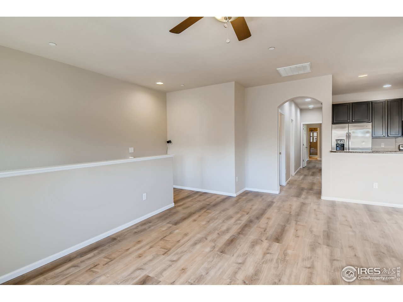 Beautiful laminate floors throughout