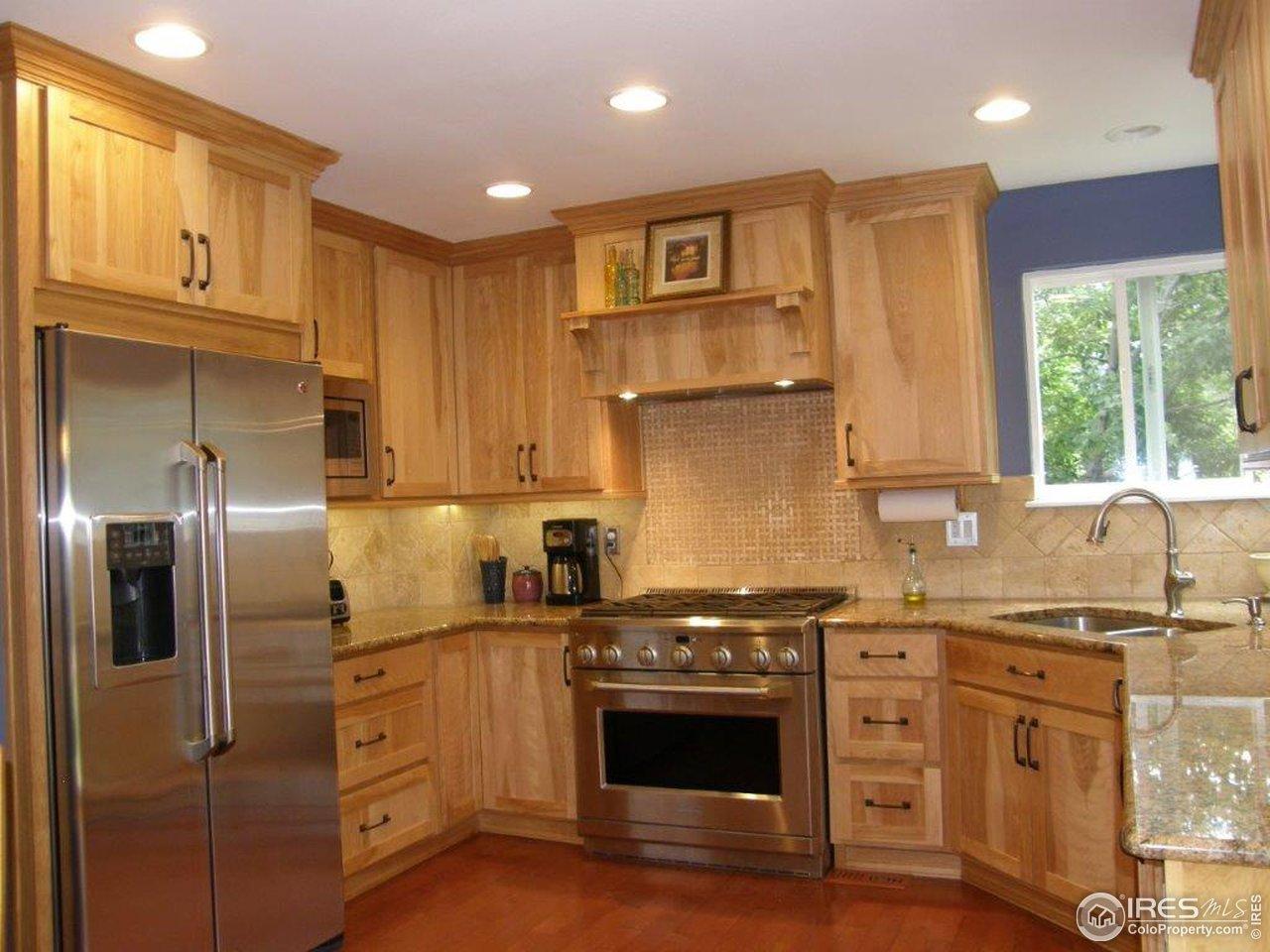 Alder cabinets w/ 42