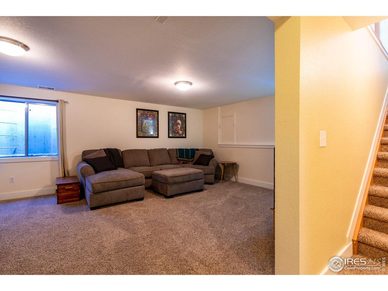 Rec/family room toward hallway