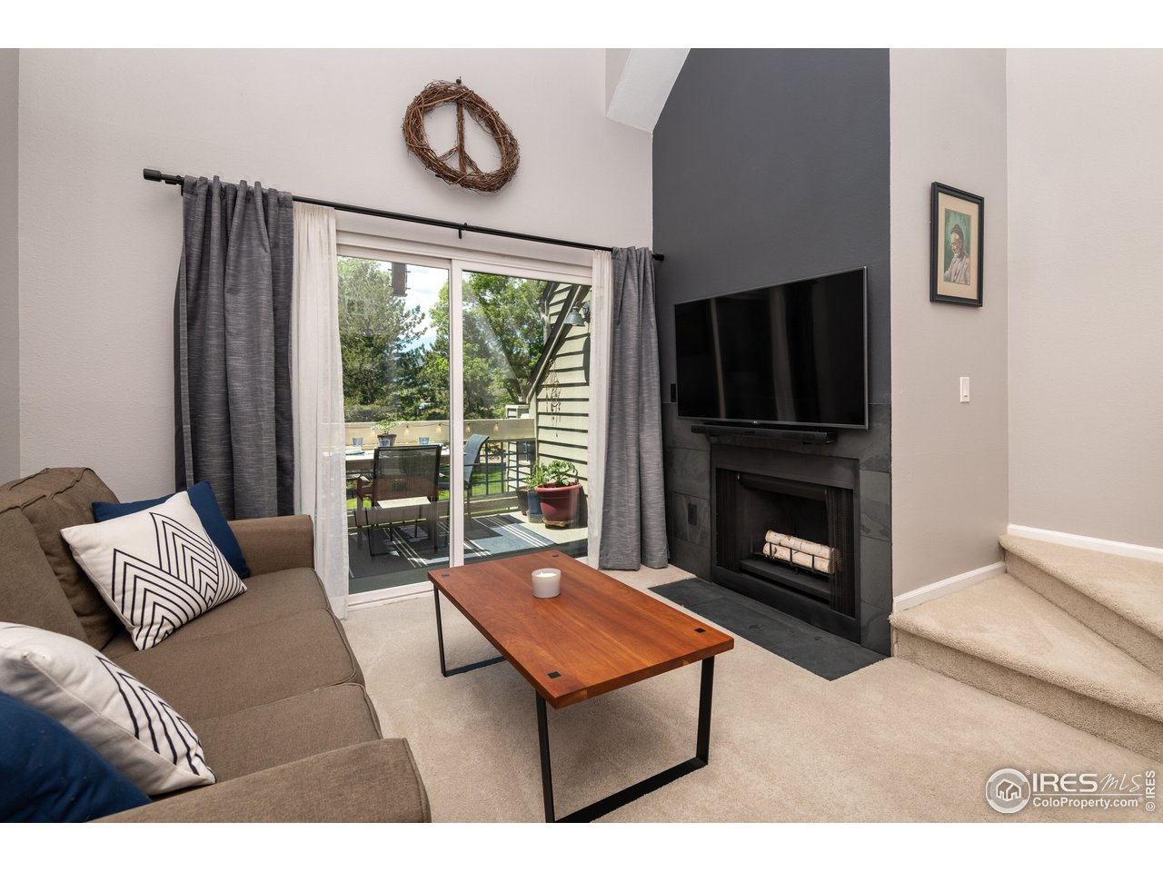 Living room to delightful outdoor space