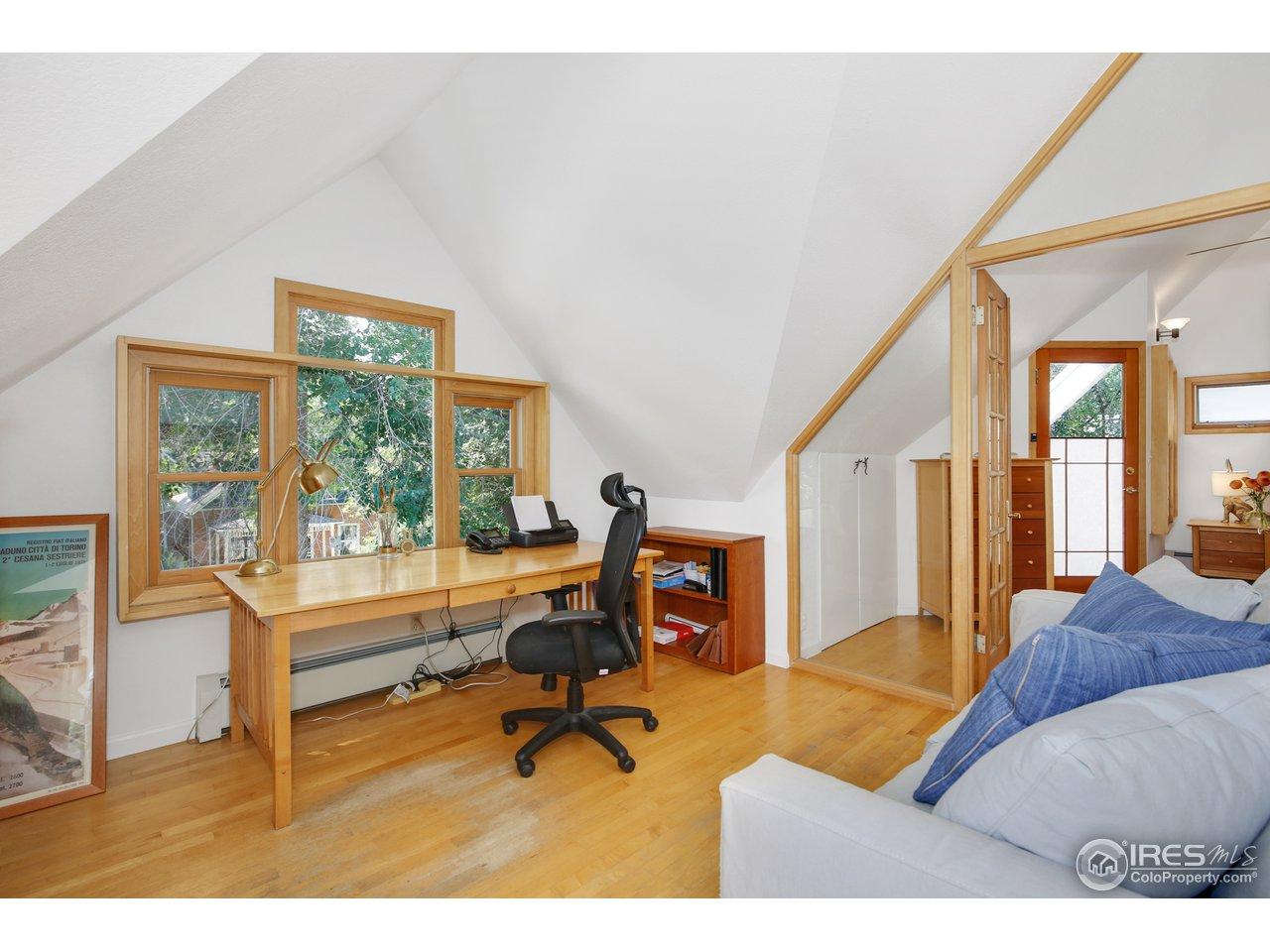 Study/office off master bedroom