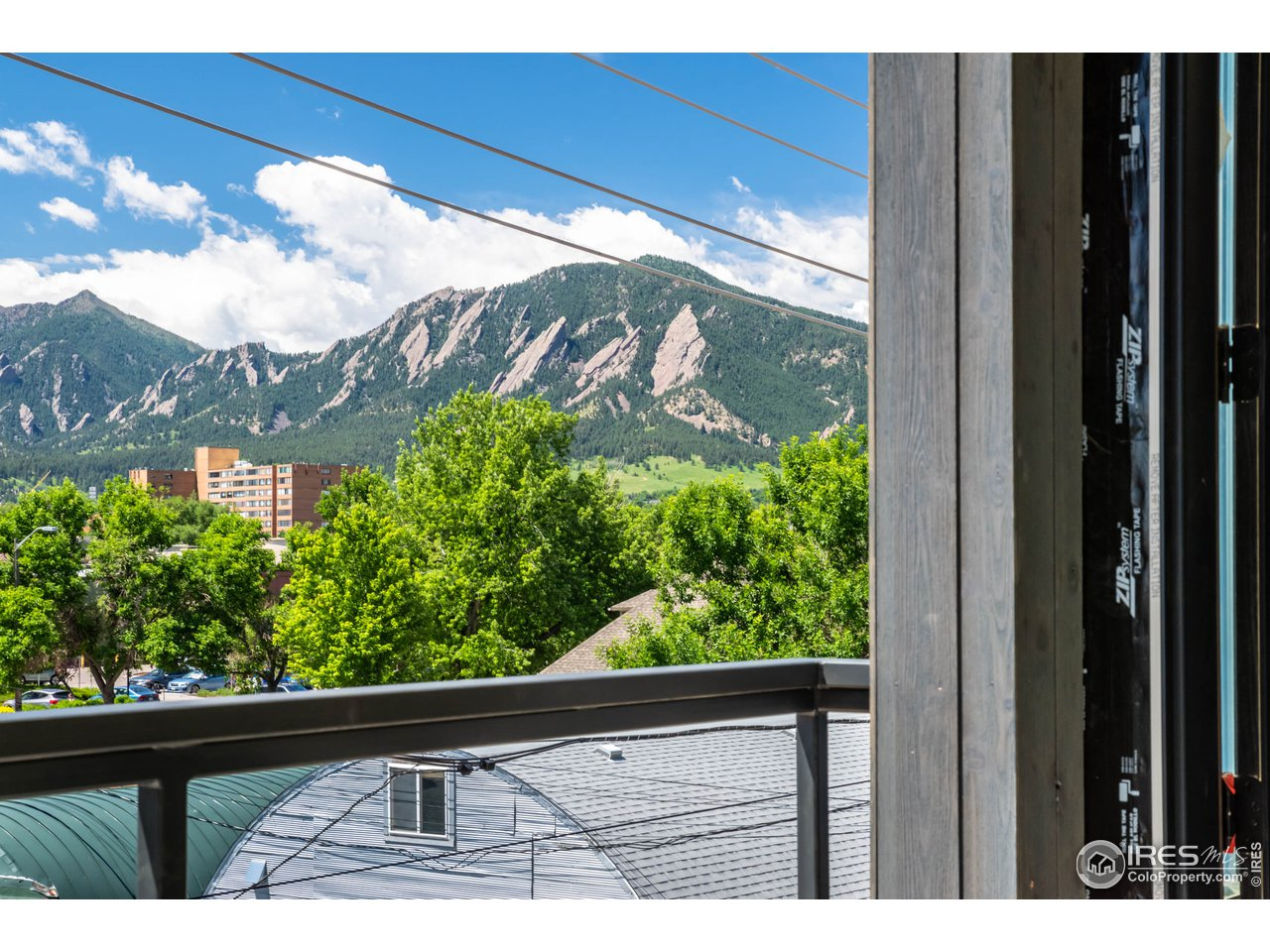 Amazing Flatirons Views from Deck