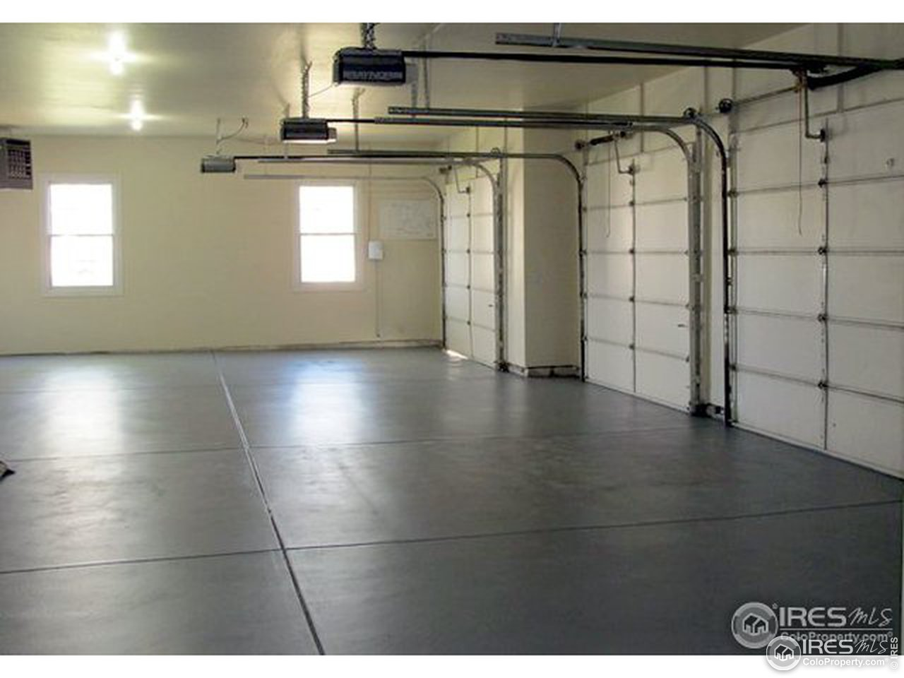 3 Car / 1200 SF Garage