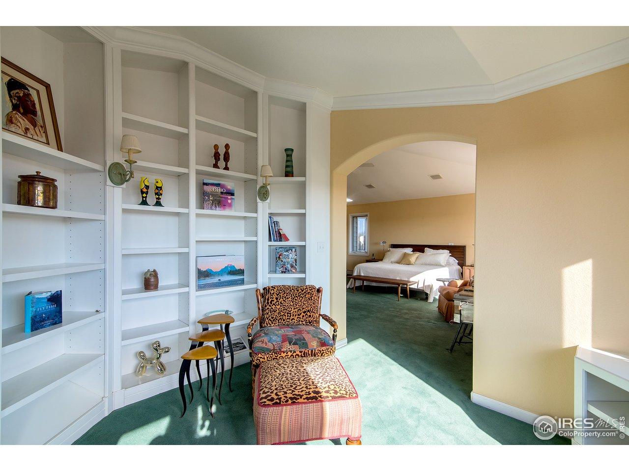 Bonus sitting room off master suite