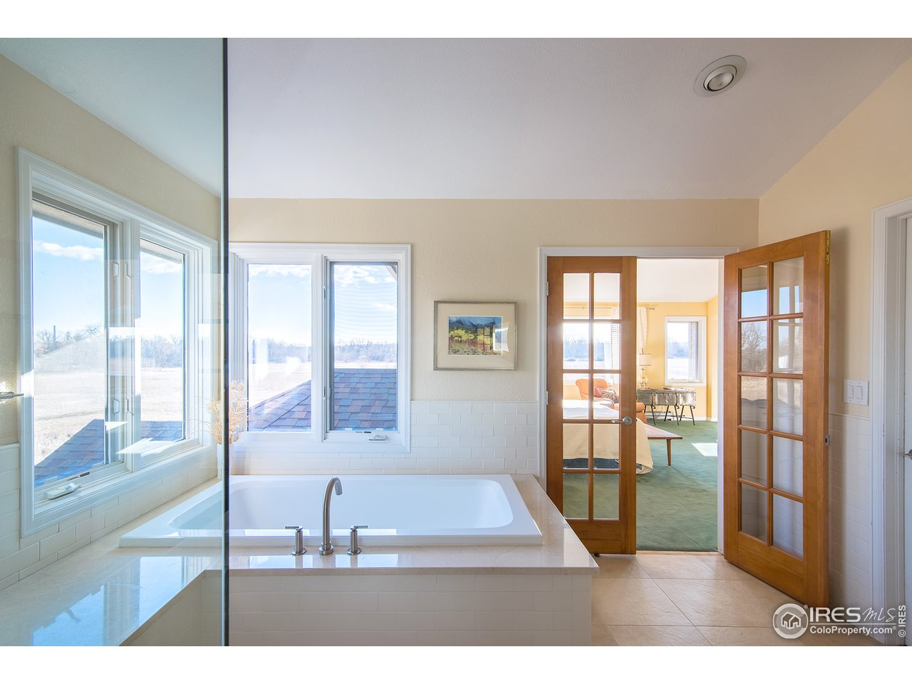 steam shower/soaking tub & heated floors!